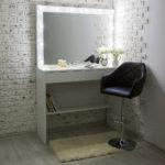 grimernyj-stol-asti-s-bolshim-zerkalom_0000_l59a7742.jpg