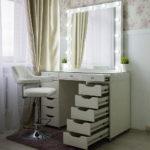 grimernyj-stol-bari-so-stekljannoj-stoleshnicej_0000_l59a7752.jpg
