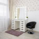 grimernyj-stol-bari-so-stekljannoj-stoleshnicej_0020_l59a7719.jpg