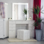 tualetnyj-grimernyj-stolik-dlja-vizazhista_0075_l59a7911.jpg