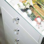 grimernyj-stolik-so-stekljannoj-stoleshnicej-tino_0008_l59a4383.jpg