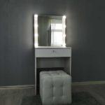 kompaktnoe-grimernyj-stolik-s-zerkalom_0001_img_20190623_143944.jpg