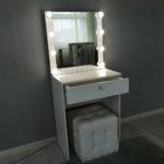 kompaktnoe-grimernyj-stolik-s-zerkalom_0003_img_20190623_144133.jpg