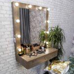 vudstok-80×95-podvesnoj-grimernyj-stolik-s-zerkalom-i-lampami-1.jpg